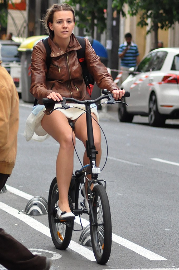 Upskirt girls on bicycles Goes!