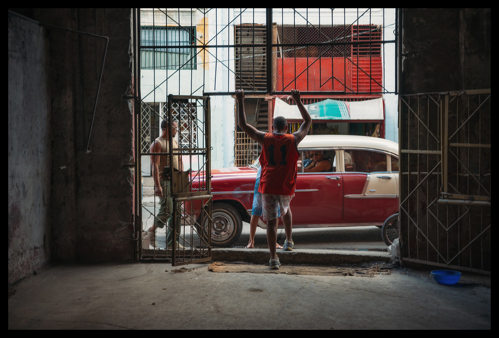 Checking In - Havana - 2013