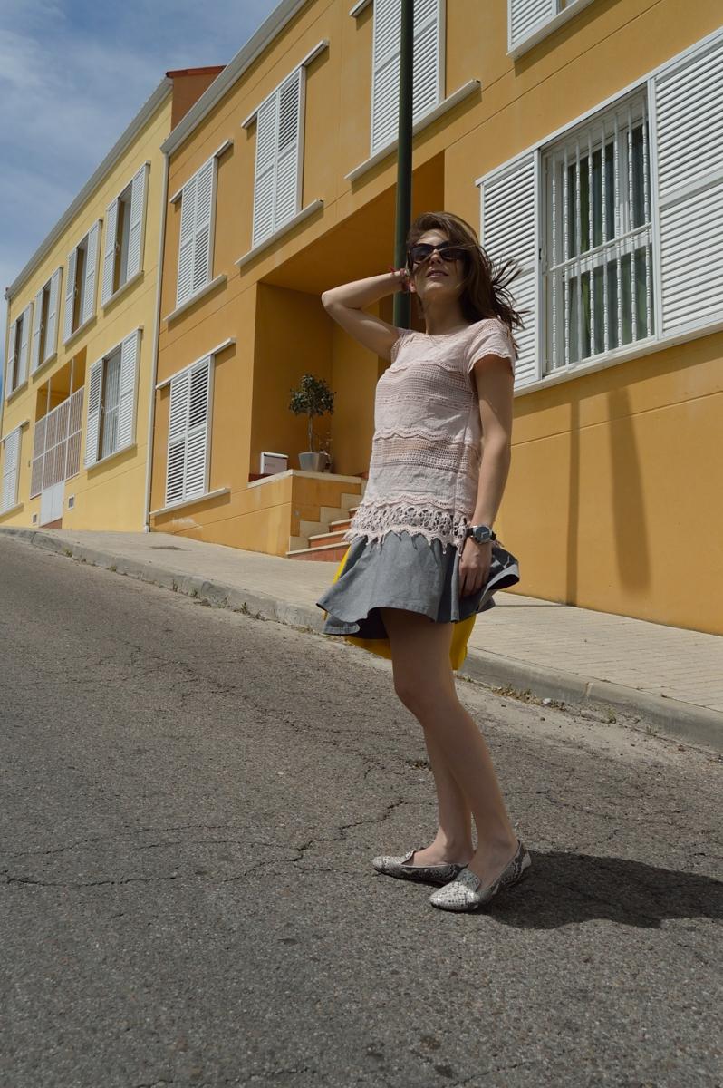 lara-vazquez-madlula-blog-style-steretstyle-grey-pink-yellow