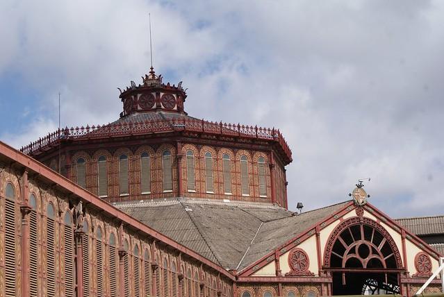 > Le marché couvert de Sant Antoni en cours de rénovation dans le Raval à Barcelone.