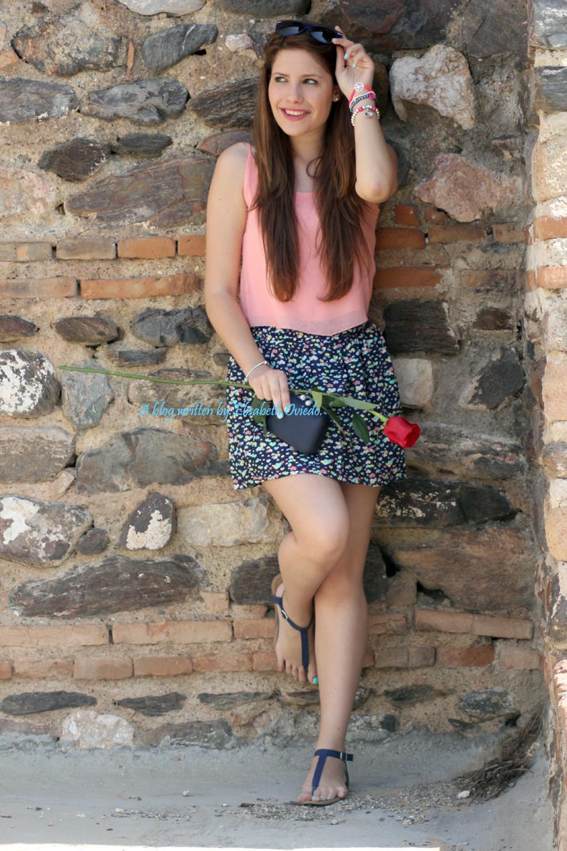 falda-Oasap-y-top-rosa-flúor---HEELSANDROSES-(2)