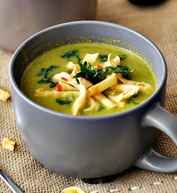 Thai Style Pea & Apple Soup | www.fussfreecooking.com