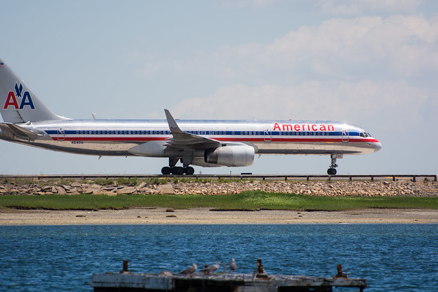 Planes at Logan Airport - Constitution Beach - East Boston - 2014-06-01