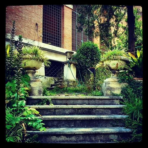 Giardini nascosti ed abbandonati