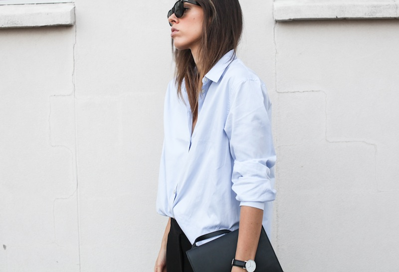 modern legacy blog kaity street style off duty minimalist man style shirt ankle zip pants Camilla and Marc slide sandals Common Projects Alexander Wang Prisma envelope clutch black blue (5 of 7)