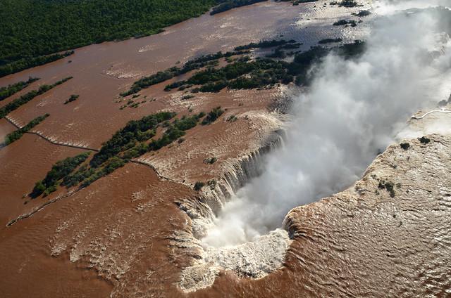 Vuelo en helicóptero sobrevolando las cataratas de Iguazú