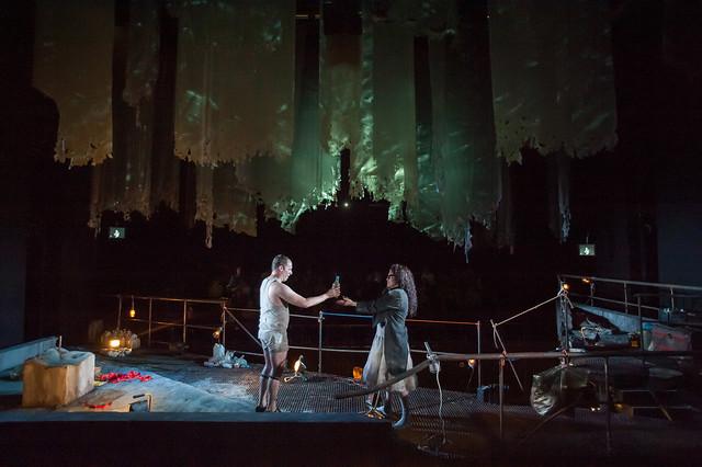 Leigh Melrose as Vicomte de Valmont  and Kirstin Chávez as Marquise de Merteuil in Quartett © ROH/ Stephen Cummiskey2014
