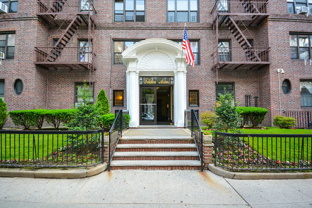 1BR CO-OP FOREST HILLS