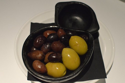 Level One Lounge: Mixed marinated olives