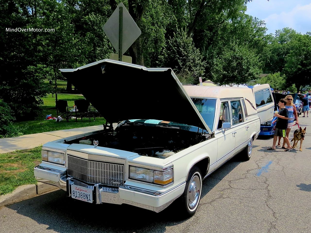 1991 Cadillac Hearse Front