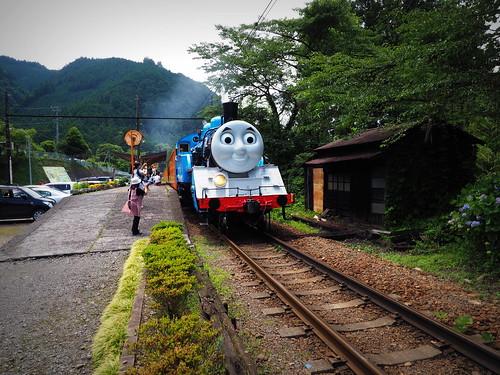 Thomas_Ooi-line_2014_10
