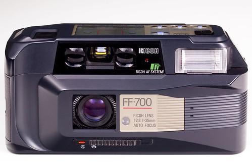 Ricoh rw-1 35mm camera. 34mm prime lens. Point & shoot euc w/case.