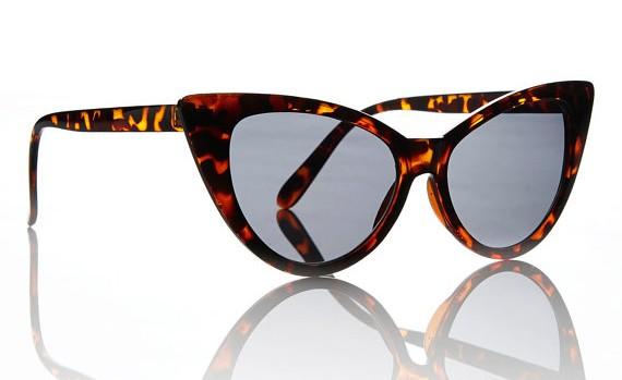 http://prf.hn/click/camref:11l3GM/destination:https%3A%2F%2Fwww.etsy.com%2Fca%2Flisting%2F79903923%2Fnicky-sunglasses-tortoise-cat-eye-frame