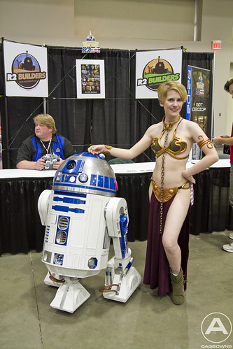 R2-D2 (left) with Slave Leia