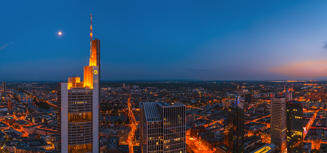 Frankfurt - Skyline mit Commerzbank Tower