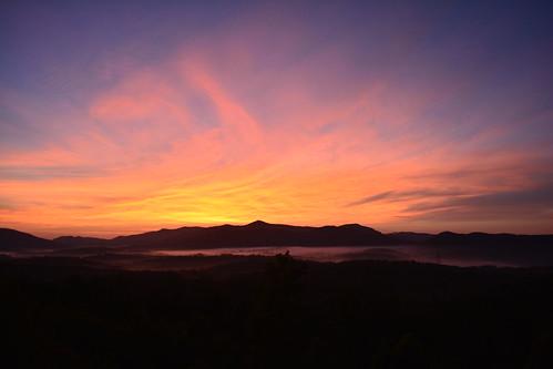 mountain mountains sunrise northcarolina morganton southmountainstatepark southmountainnc grandviewpeaks