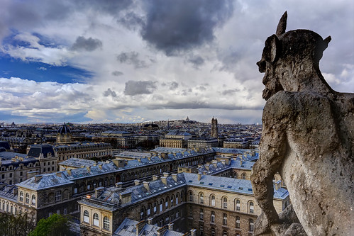 Gargoyle looking down to the city