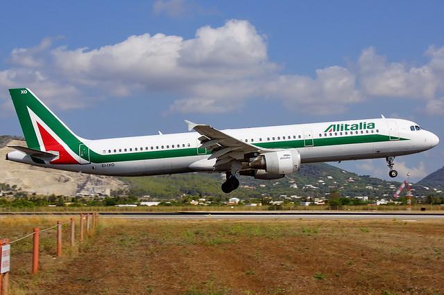 EI-IXO   A321-112  ALITALIA