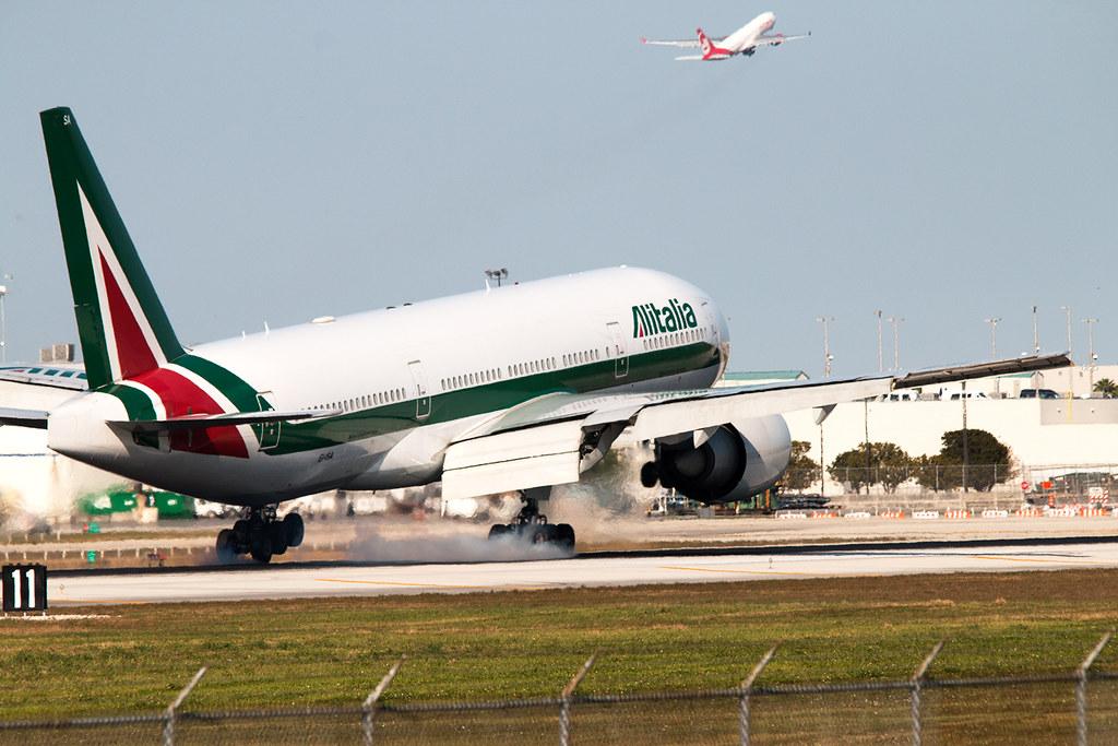 EI-ISA - B772 - Alitalia