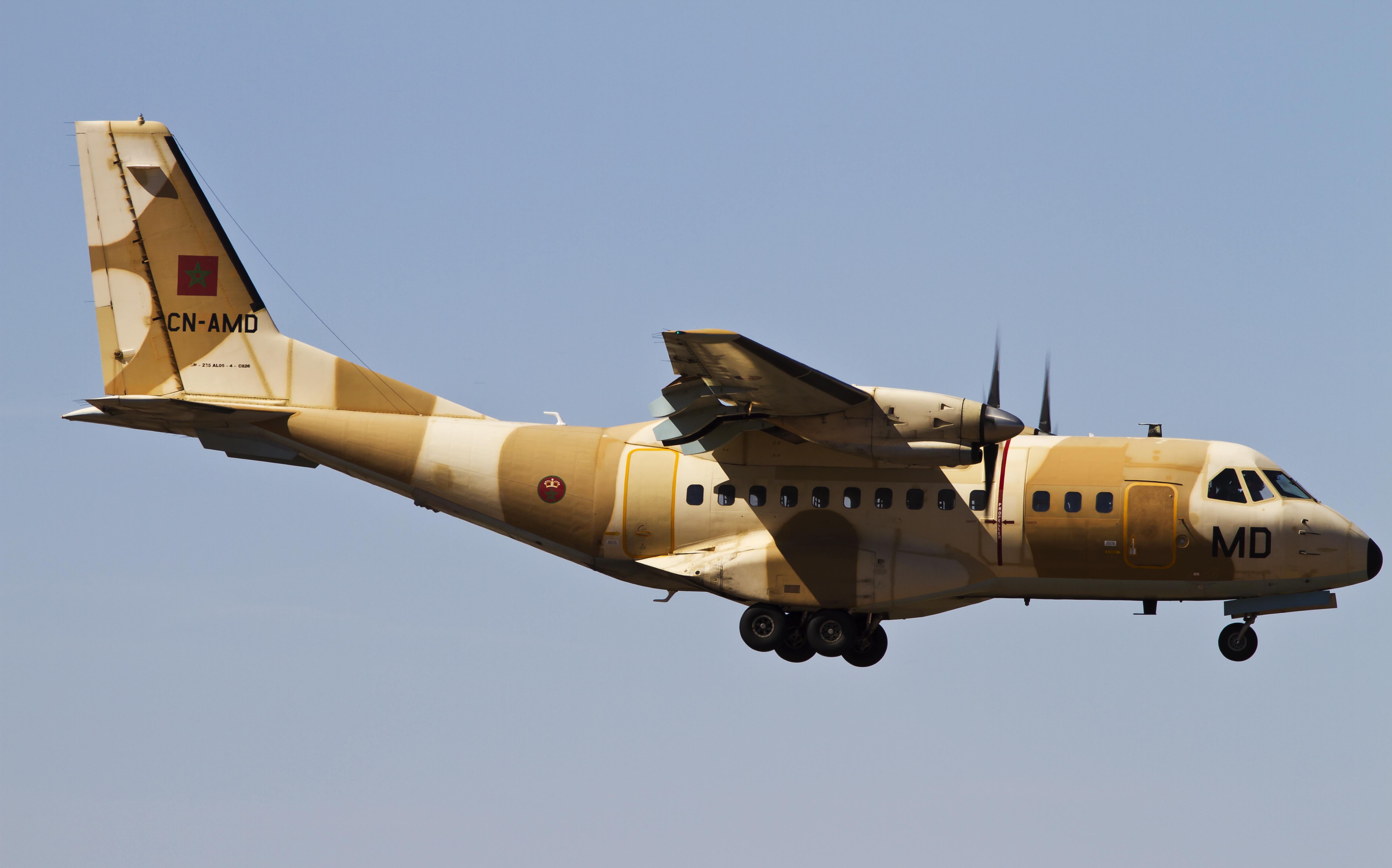 طائرات النقل العاملة بالقوات المسلحة المغربية 14152559423_73881a88ef_o