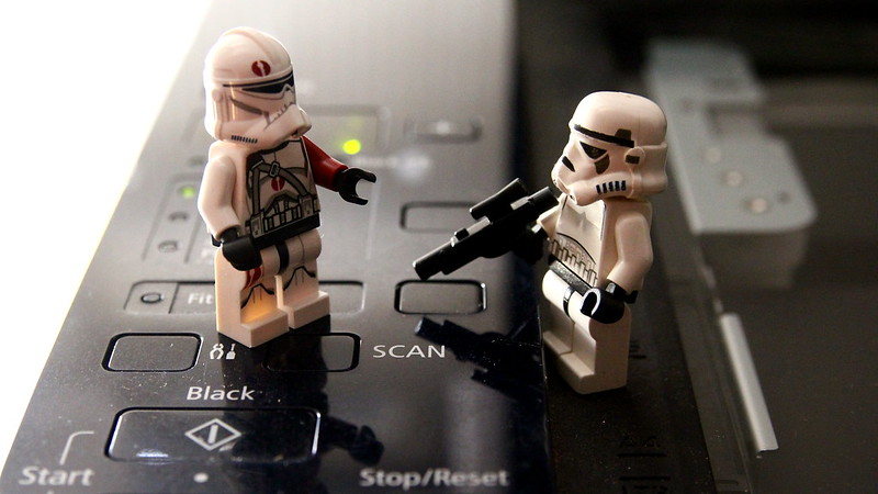 Stormtroopers Behaving Badly: Minifig Scanography 1/2
