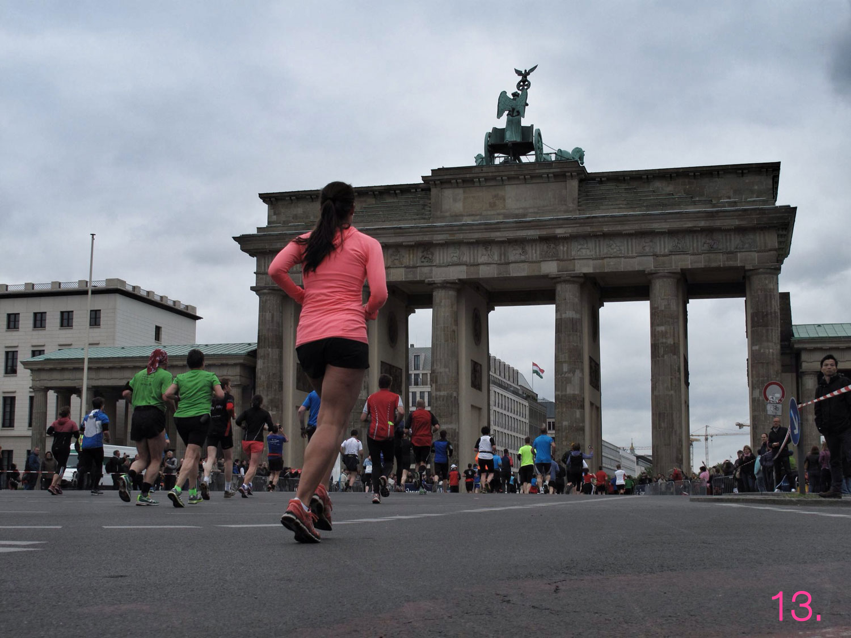 Maratón 'Wings for life World'_puerta brandenburgo_berlin