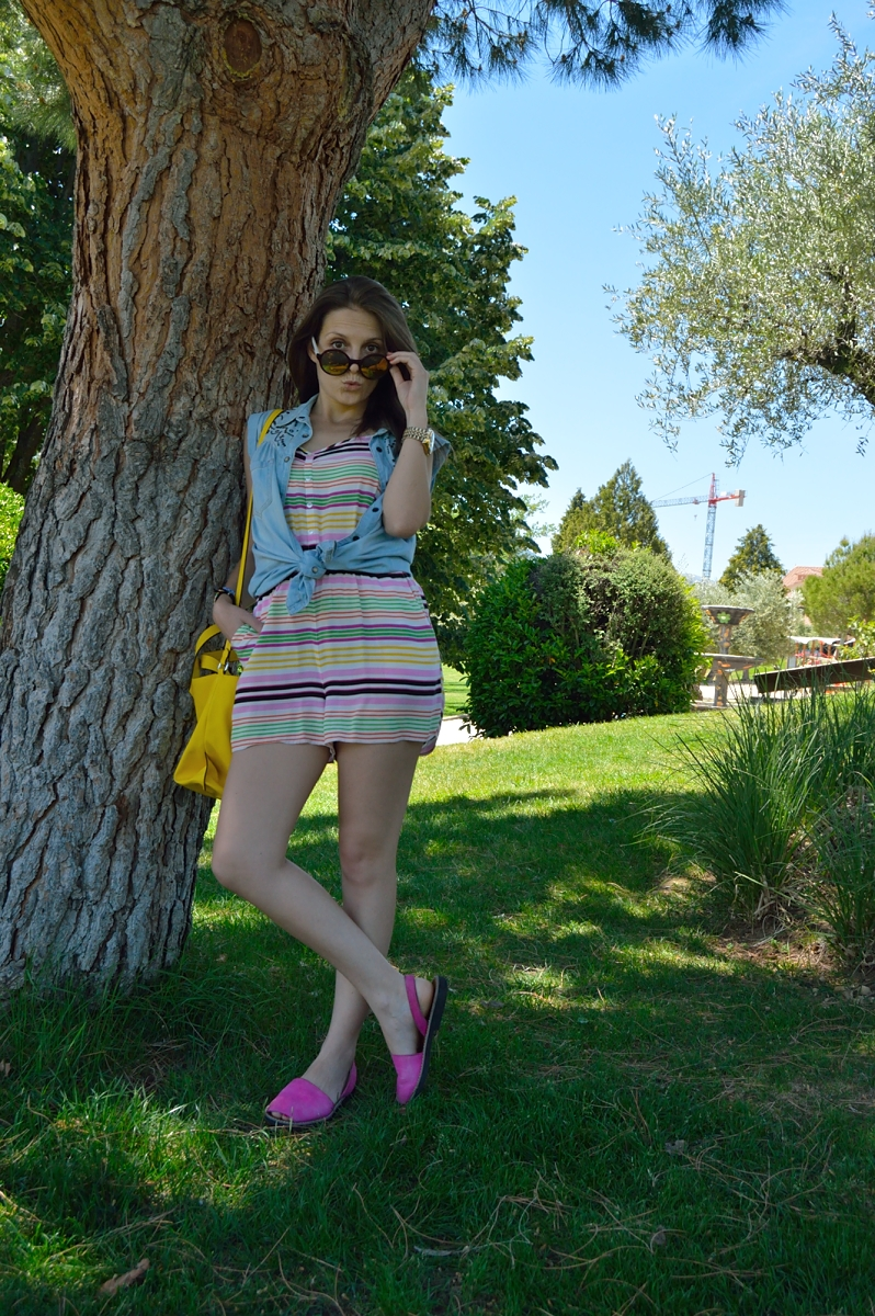 lara-vazquez-madlulablog-fashion-trends-jumpsuit-denim-pink-mallorquinas