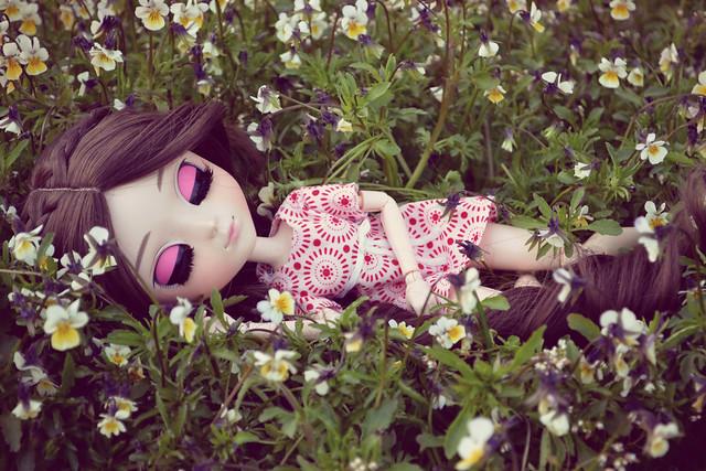 esmé and flowers 3