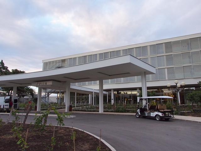 IVAN Hotel大門