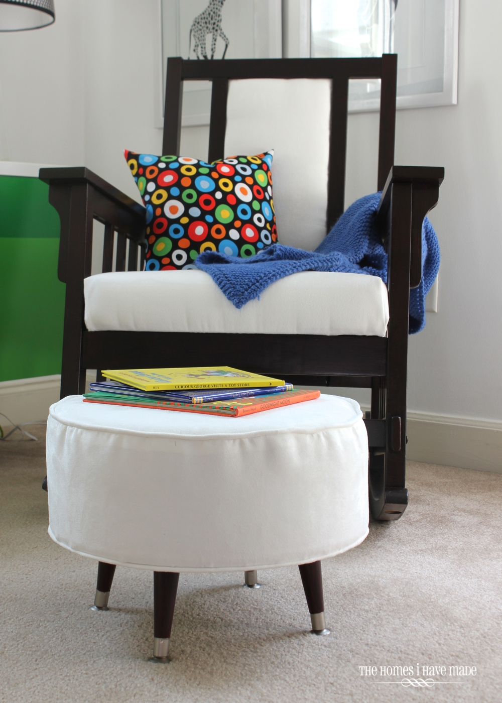 Henry's Reading Nook-004