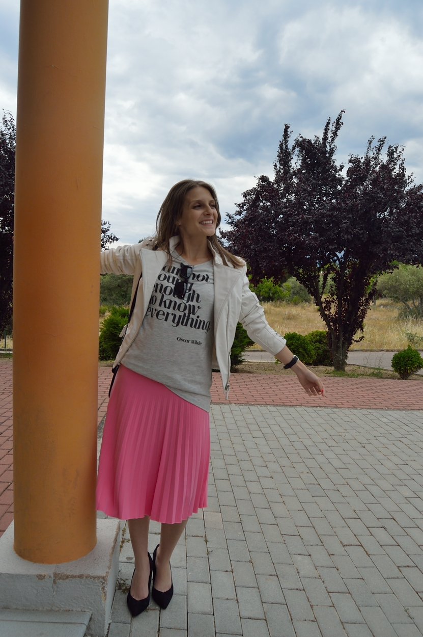 lara-vazquez-madlula-blog-fashion-style-midi-pop-of-pink-spring-look