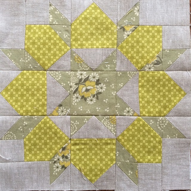 Block 1: mini swoon for the #schnitzelandboominiquiltswap #miniquilt