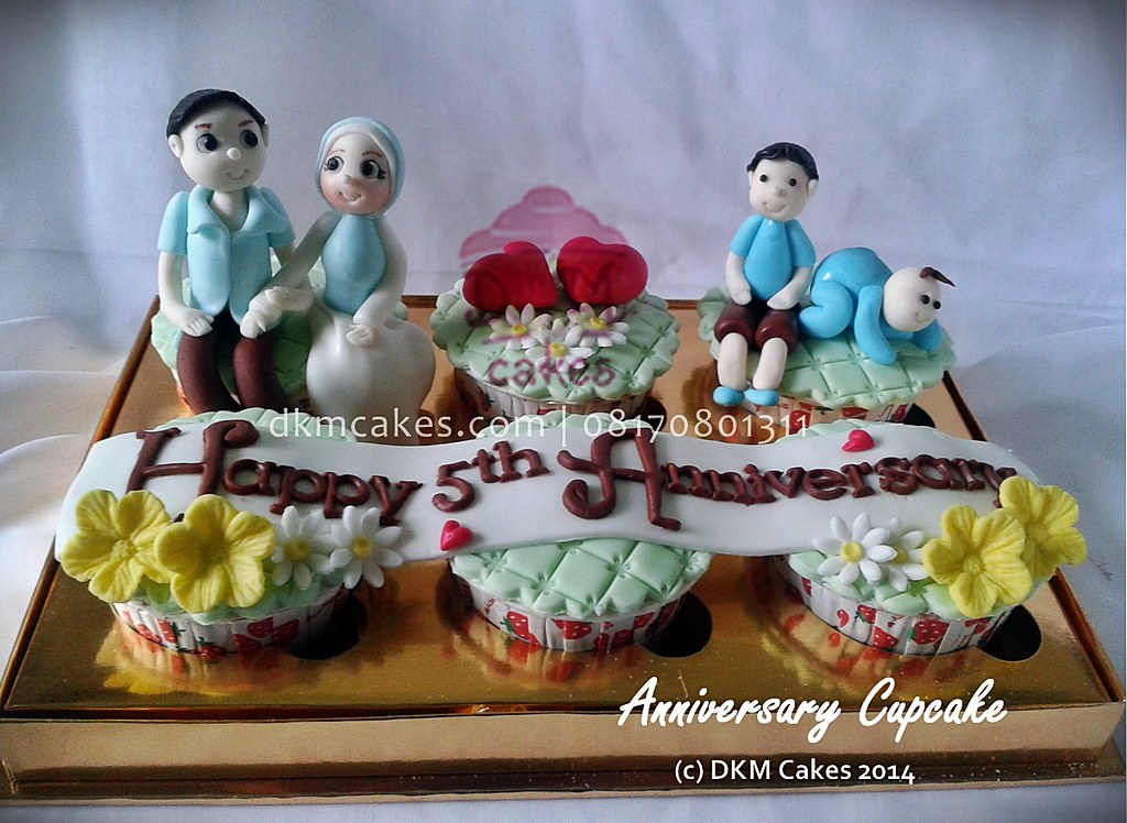 anniversary cupcake, DKM Cakes telp 08170801311, DKMCakes, untuk info dan order silakan kontak kami di 08170801311 / 27ECA716  http://dkmcakes.com,  cake bertema, cake hantaran, cake reguler jember, custom design cake jember, DKM cakes, DKM Cakes no telp 08170801311 / 27eca716, DKMCakes, jual kue jember, kue kering jember bondowoso lumajang malang surabaya, kue ulang tahun jember, kursus cupcake jember, kursus kue jember,   pesan cake jember, pesan cupcake jember, pesan kue jember, pesan kue pernikahan jember, pesan kue ulang tahun anak jember, pesan kue ulang tahun jember, toko   kue jember, toko kue online jember bondowoso lumajang, wedding cake jember,pesan cake jember, beli kue jember, beli cake jember