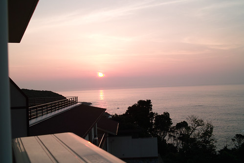 休暇村紀伊勝浦から朝日