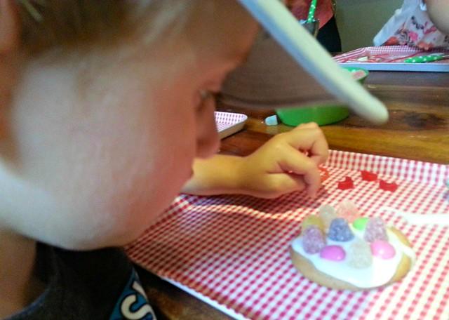 Biscuit Decorating, summer activities for kids