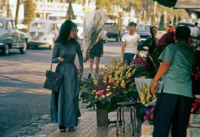 SAIGON 1963 - Nguyen Hue Boulevard - Photo  by Marv Godner
