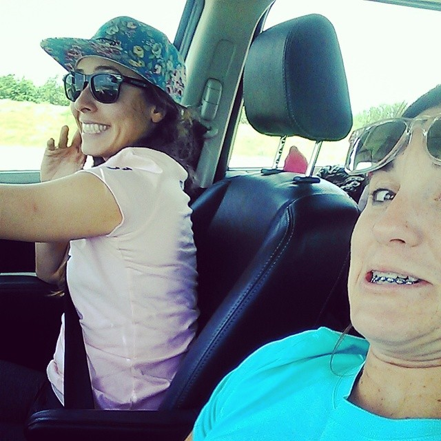 #bored #getmeoutofthiscar #roadtrip #birthdayselfie #ilovemyfriends #triouradventure
