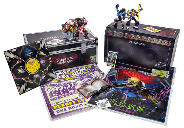 SDCC-2014-Hasbro-Transformers-30th-Anniversary-Knights-of-unicron-Set-Exclusive-001
