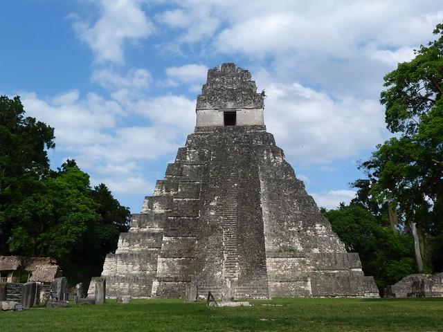 Templo I de Tikal (Guatemala) en la Gran Plaza