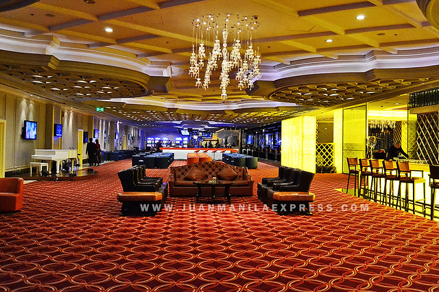 GENTING CLUB. Hidden right in the heart of Resorts World Manila is the prestigious Genting Club, a members-only lifestyle club designed particularly for Manila's elite. Home for the creme de la creme, the Genting Club would be the playground for those with discerning taste searching for an escape from the city to relax in exclusivity. It will be an oasis for business leaders and prominent names in society seeking for luxurious premier entertainment with a private gaming area, decadent dining options and other fabulous lifestyle features. Surrounded by the best company, the Genting Club is where you can find the best of what the world can offer.