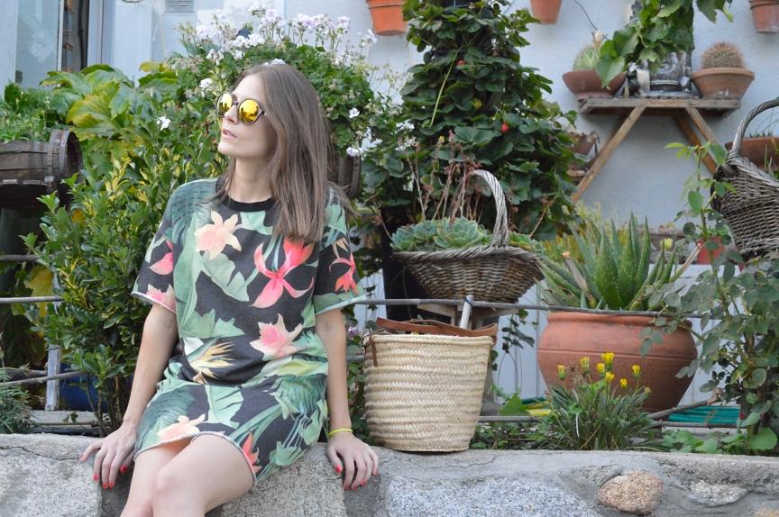 lara-vazquez-mad-lula-fashion-style-tropic-dress
