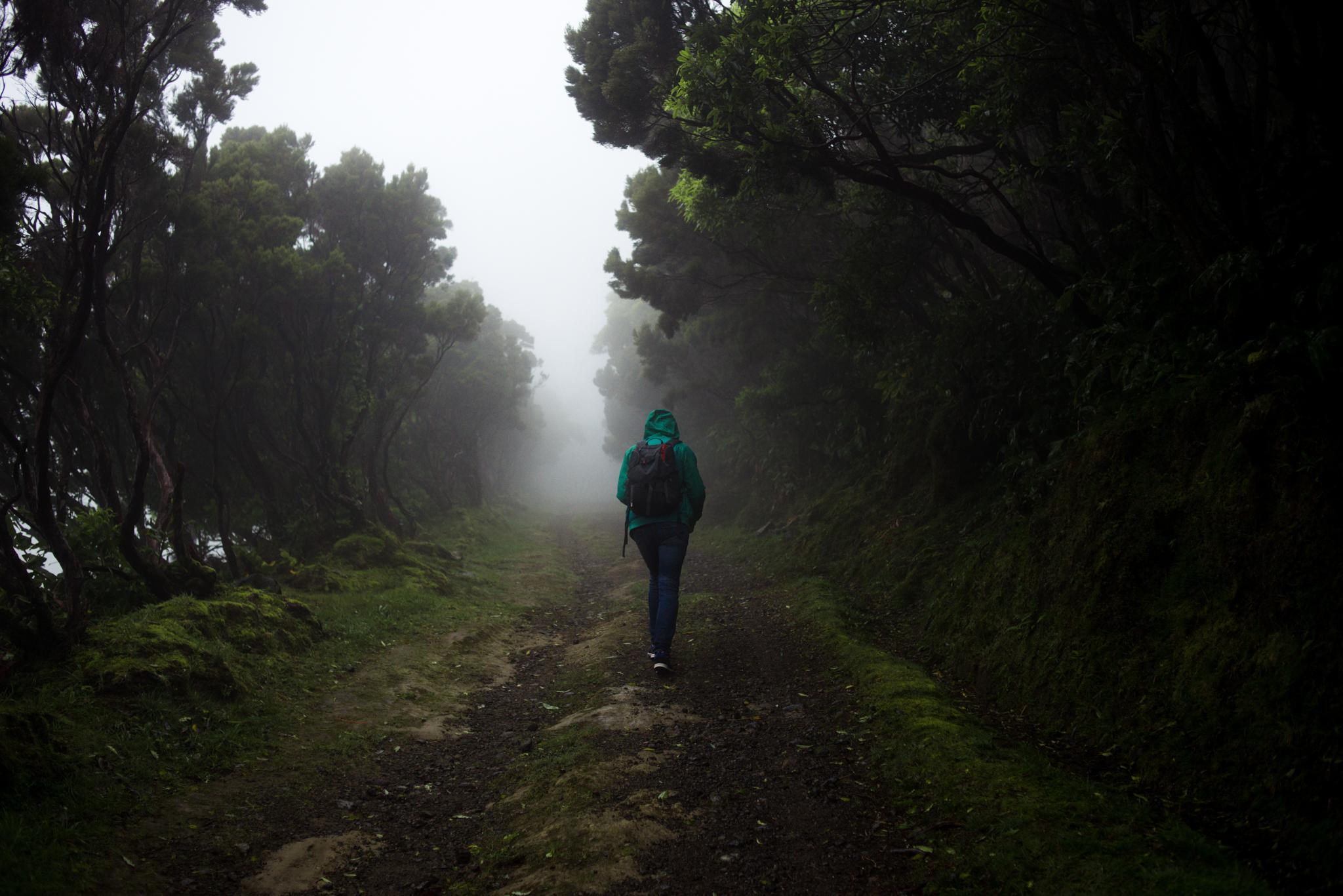 Rossz időben túrázni az Azori-szigeteken szép de nem veszélytelen.