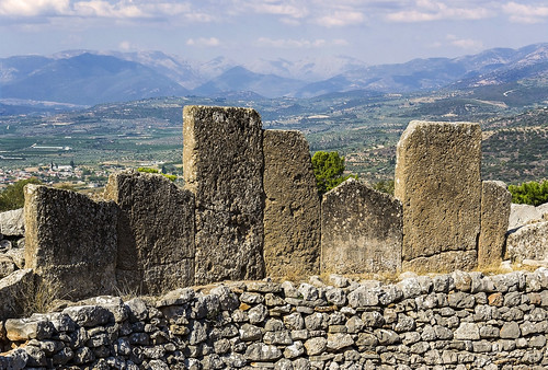 grecia greece peloponnese peloponeso peninsula micenas mycenae grave circle circulo tumba olive olivos paisaje landscape piedras slabs