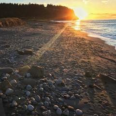 Last nights sunset at Point Wilson. Up early waiting to do a time lapse of the sunrise. #adventureinspired #roamtheplanet #awesomeearth #earthfocus #wanderlust #pnwonderland #pnwspotlight #theelys #sunset #pointwilson