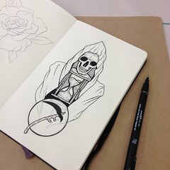 It been a while haven't been posted yet... busy at uni these days 😅 now just drawing in class 💀