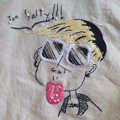 My emboidery work on second-hand tote. Drawing by Benjamin Abras #embroidery #thread #art #makingart #needlework #vayacara #bordado #tongue #sunglasses #yellowhair #makenewoutofold
