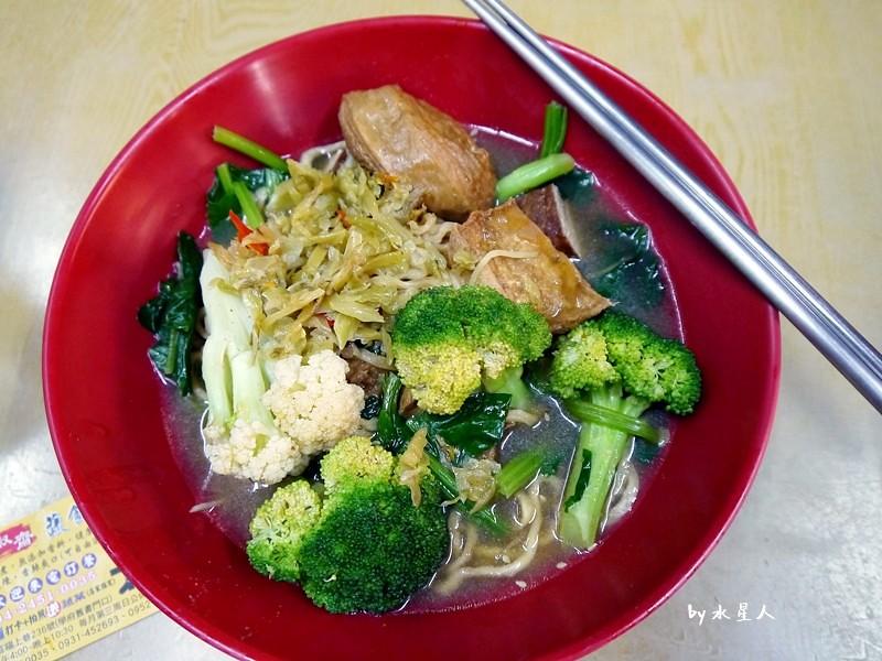 33905555755 b887b49ed2 b - 台中西屯 | 賢淑齋蔬食滷味,逢甲夜市有好吃的素食滷味攤!