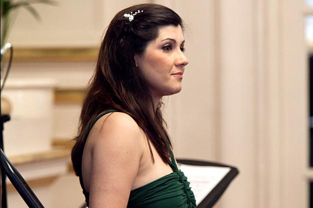 Susana Gaspar performing a lunchtime recital © ROH / Rob Moore 2012