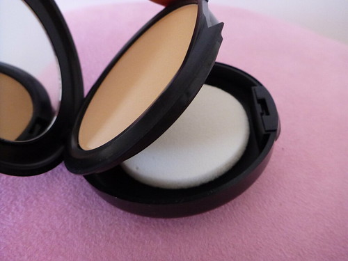Mac Studio Fix powder foundation ausbeautyreview australian beauty review blog blogger aussie long lasting coverage even skin face pretty beautiful (2)