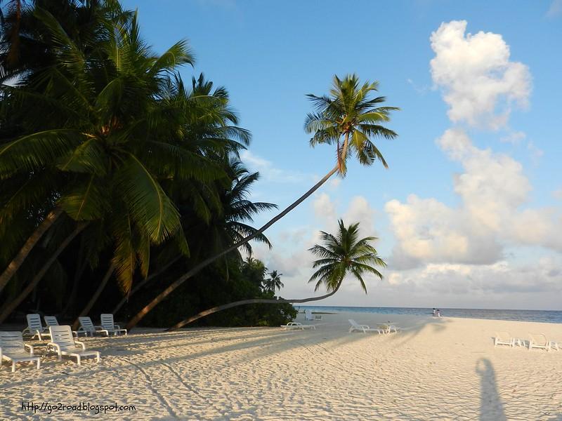 Пляж отеля  Fihalohi